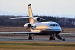 hidetsuguさんが、新千歳空港で撮影したSentry Aviation Services Falcon 900Cの航空フォト(写真)