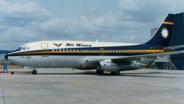 cathay451さんが、伊丹空港で撮影したエア・ナウル 737-2L9/Advの航空フォト(飛行機 写真・画像)