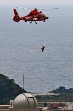じーのさんさんが、都立八丈高校で撮影した東京消防庁航空隊 AS365N3 Dauphin 2の航空フォト(写真)