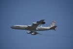 M.Ochiaiさんが、嘉手納飛行場で撮影したアメリカ空軍 E-3B Sentry (707-300)の航空フォト(写真)