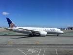 むうさんが、サンフランシスコ国際空港で撮影したユナイテッド航空 787-8 Dreamlinerの航空フォト(写真)