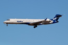 JRF spotterさんが、オンタリオ国際空港で撮影したスカイウエスト CL-600-2C10 Regional Jet CRJ-700の航空フォト(写真)