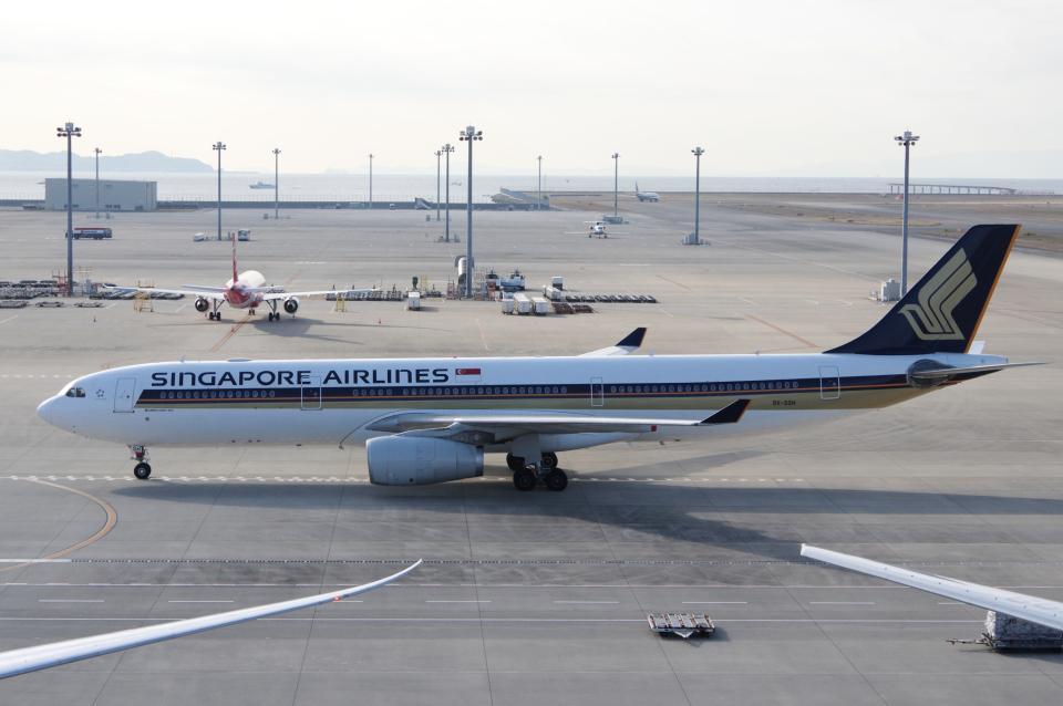 yabyanさんのシンガポール航空 Airbus A330-300 (9V-SSH) 航空フォト