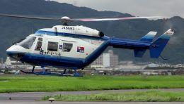 cathay451さんが、八尾空港で撮影した中日新聞社 BK117C-1の航空フォト(飛行機 写真・画像)