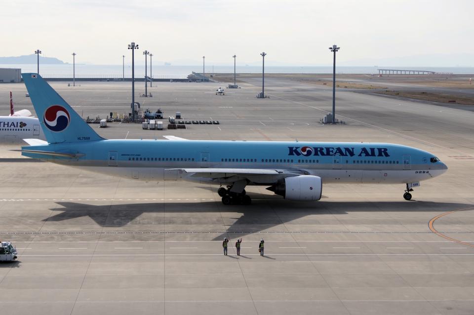 yabyanさんの大韓航空 Boeing 777-200 (HL7598) 航空フォト