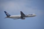 M.Ochiaiさんが、那覇空港で撮影した全日空 767-381/ER(BCF)の航空フォト(写真)