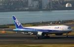 Wasawasa-isaoさんが、羽田空港で撮影した全日空 777-281の航空フォト(写真)