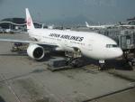 flyingmasさんが、香港国際空港で撮影した日本航空 777-246/ERの航空フォト(写真)