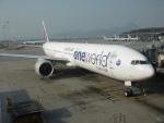 flyingmasさんが、香港国際空港で撮影したカタール航空 777-3DZ/ERの航空フォト(写真)