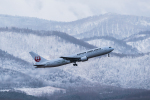 N.Naokiさんが、旭川空港で撮影した日本航空 767-346の航空フォト(写真)