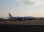 hiyoboさんが、羽田空港で撮影した日本航空 777-289の航空フォト(写真)