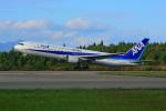 はるかのパパさんが、秋田空港で撮影した全日空 767-381の航空フォト(写真)