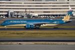 euro_r302さんが、羽田空港で撮影したベトナム航空 A350-941XWBの航空フォト(写真)