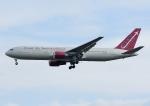 じーく。さんが、横田基地で撮影したオムニエアインターナショナル 767-3Q8/ERの航空フォト(写真)