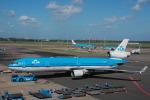 Dutchsamuさんが、アムステルダム・スキポール国際空港で撮影したKLMオランダ航空 MD-11の航空フォト(写真)