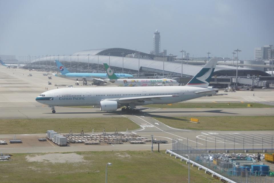 FRTさんのキャセイパシフィック航空 Boeing 777-200 (B-HNL) 航空フォト