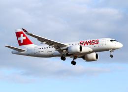 voyagerさんが、ロンドン・ヒースロー空港で撮影したスイスインターナショナルエアラインズ BD-500-1A10 CSeries CS100の航空フォト(写真)