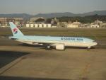 commet7575さんが、福岡空港で撮影した大韓航空 777-2B5/ERの航空フォト(写真)
