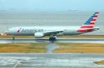 Tomo_lgmさんが、羽田空港で撮影したアメリカン航空 777-223/ERの航空フォト(写真)