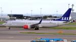 誘喜さんが、ロンドン・ヒースロー空港で撮影したスカンジナビア航空 737-86Nの航空フォト(写真)
