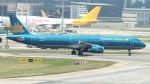 誘喜さんが、シンガポール・チャンギ国際空港で撮影したベトナム航空 A321-231の航空フォト(写真)