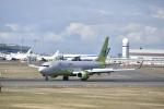 シャークレットさんが、新千歳空港で撮影したジンエアー 737-8SHの航空フォト(写真)