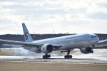 シャークレットさんが、新千歳空港で撮影した大韓航空 777-3B5/ERの航空フォト(写真)