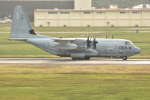 kon chanさんが、嘉手納飛行場で撮影したアメリカ海兵隊 KC-130J Herculesの航空フォト(写真)