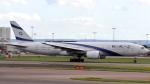 誘喜さんが、ロンドン・ヒースロー空港で撮影したエル・アル航空 777-258/ERの航空フォト(写真)