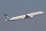 安芸あすかさんが、香港国際空港で撮影したキャセイパシフィック航空 777-367の航空フォト(写真)