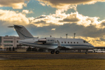 Cygnus00さんが、新千歳空港で撮影したAggregrate Assets Ltd  CL-600-2B16 Challenger 604の航空フォト(写真)