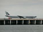 Tき/九州急行さんが、羽田空港で撮影したキャセイパシフィック航空 777-367の航空フォト(写真)