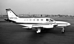 ハミングバードさんが、名古屋飛行場で撮影したprivate 441 Conquest IIの航空フォト(飛行機 写真・画像)