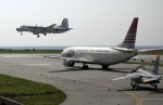 planetさんが、那覇空港で撮影した航空自衛隊 YS-11A-402EAの航空フォト(写真)