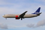 Koba UNITED®さんが、ロンドン・ヒースロー空港で撮影したスカンジナビア航空 737-883の航空フォト(写真)