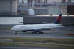 Inamiさんが、羽田空港で撮影したデルタ航空 777-232/ERの航空フォト(写真)