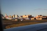 さとさとさんが、伊丹空港で撮影したジェイ・エア ERJ-190-100(ERJ-190STD)の航空フォト(写真)