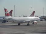バンチャンさんが、アタテュルク国際空港で撮影したスイスインターナショナルエアラインズ A321-111の航空フォト(写真)