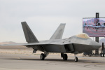 チャッピー・シミズさんが、ネリス空軍基地で撮影したアメリカ空軍 F-22A-10-LM Raptorの航空フォト(写真)