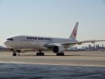 バンチャンさんが、羽田空港で撮影した日本航空 777-246の航空フォト(写真)