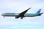 Koba UNITED®さんが、ロンドン・ヒースロー空港で撮影した大韓航空 777-3B5/ERの航空フォト(写真)