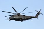kazuchiyanさんが、岩国空港で撮影したアメリカ海軍 MH-53Eの航空フォト(写真)