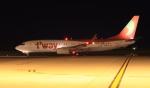 SKY KOCHIさんが、高知空港で撮影したティーウェイ航空 737-8KGの航空フォト(写真)
