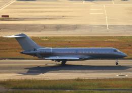 タミーさんが、羽田空港で撮影したビスタジェット BD-700-1A10 Global 6000の航空フォト(写真)