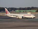鷹71さんが、成田国際空港で撮影したカタール航空 777-2DZ/LRの航空フォト(写真)