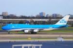 ぽっぽさんが、アムステルダム・スキポール国際空港で撮影したKLMオランダ航空 747-406Mの航空フォト(写真)