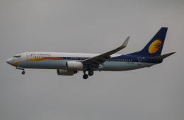 takaRJNSさんが、シンガポール・チャンギ国際空港で撮影したジェットエアウェイズ 737-85Rの航空フォト(飛行機 写真・画像)