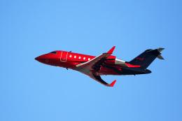 LAX Spotterさんが、ロサンゼルス国際空港で撮影したイギリス企業所有 CL-600-2B16 Challenger 605の航空フォト(写真)