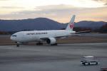 憂鬱さんが、広島空港で撮影した日本航空 777-246/ERの航空フォト(写真)