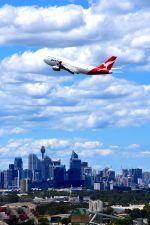 まいけるさんが、シドニー国際空港で撮影したカンタス航空 747-438の航空フォト(写真)
